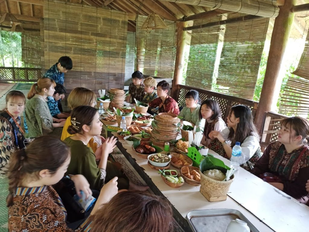 KSU eats Indonesian cuisine